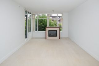 """Photo 12: 307 5989 IONA Drive in Vancouver: University VW Condo for sale in """"Chancellor Hall"""" (Vancouver West)  : MLS®# R2194182"""