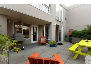 Photo 4: 330 1979 YEW Street in Capers Building: Kitsilano Home for sale ()  : MLS®# V850213