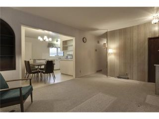 Photo 7: 1 42 Street SW in Calgary: Wildwood Residential Detached Single Family for sale : MLS®# C3634389