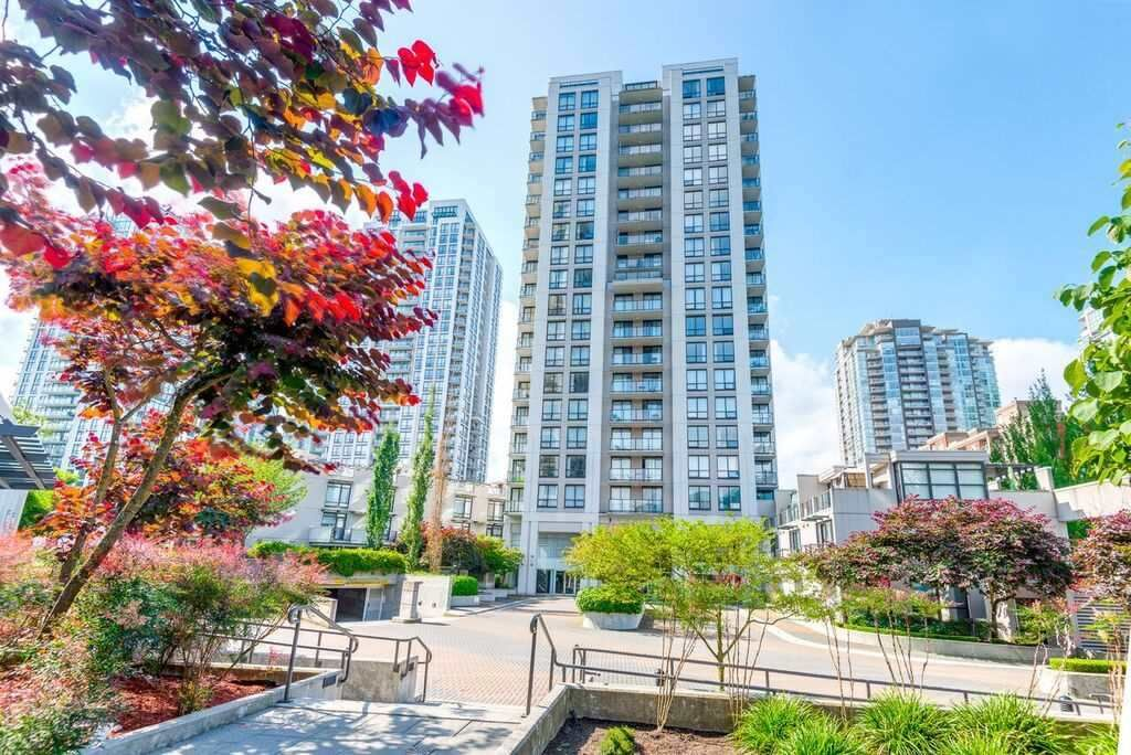 "Main Photo: 305 1185 THE HIGH Street in Coquitlam: North Coquitlam Condo for sale in ""CLAREMONT"" : MLS®# R2145713"