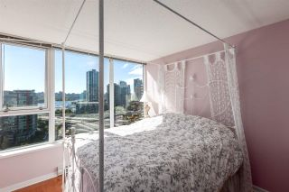 """Photo 12: 1805 33 SMITHE Street in Vancouver: Yaletown Condo for sale in """"COOPERS LOOKOUT"""" (Vancouver West)  : MLS®# R2205849"""