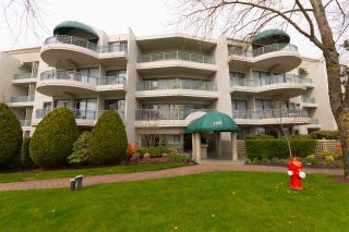 "Photo 1: 209 1785 MARTIN Drive in Surrey: Sunnyside Park Surrey Condo for sale in ""Southwynd"" (South Surrey White Rock)  : MLS®# R2255418"
