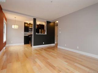 Photo 4: 203 2515 Dowler Pl in VICTORIA: Vi Hillside Condo for sale (Victoria)  : MLS®# 821831
