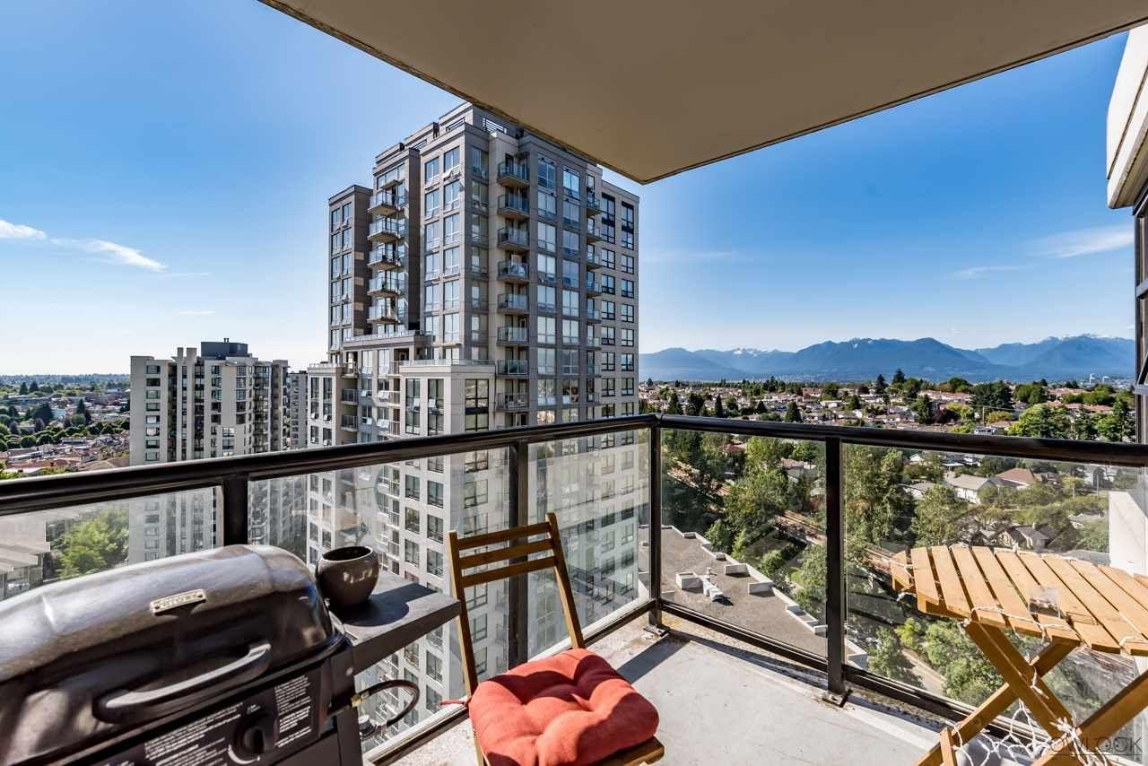 Main Photo: 1807 5380 OBEN STREET in : Collingwood VE Condo for sale : MLS®# R2185130
