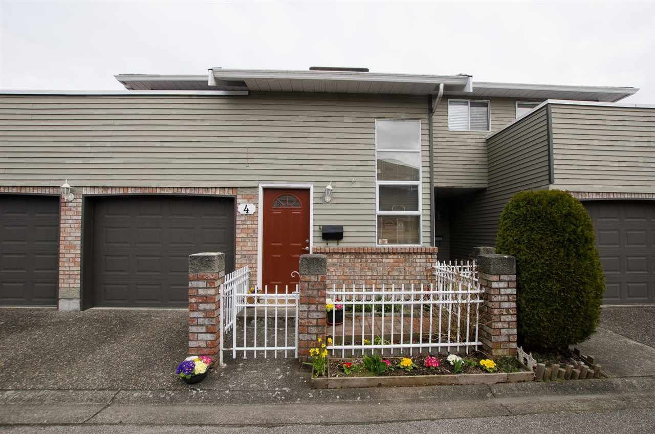 "Photo 1: Photos: 4 6380 48A Avenue in Delta: Holly Townhouse for sale in ""Garden Estates"" (Ladner)  : MLS®# R2265113"