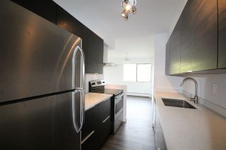 "Photo 3: 301 2190 W 8TH Avenue in Vancouver: Kitsilano Condo for sale in ""Westwood Villa"" (Vancouver West)  : MLS®# R2162145"