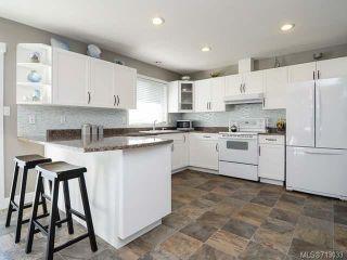 Photo 3: 1706 QUATSINO PLACE in COMOX: CV Comox (Town of) House for sale (Comox Valley)  : MLS®# 713033