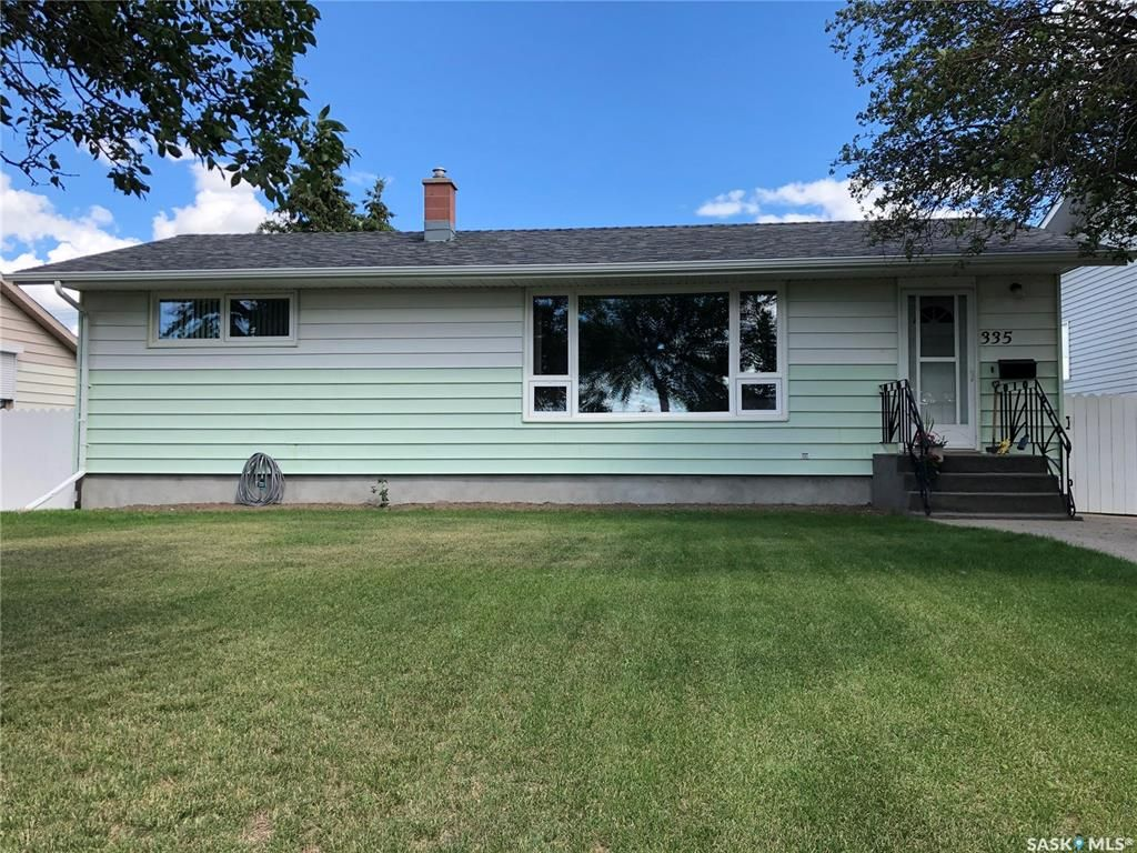 Main Photo: 335 Central Avenue South in Swift Current: South East SC Residential for sale : MLS®# SK818765