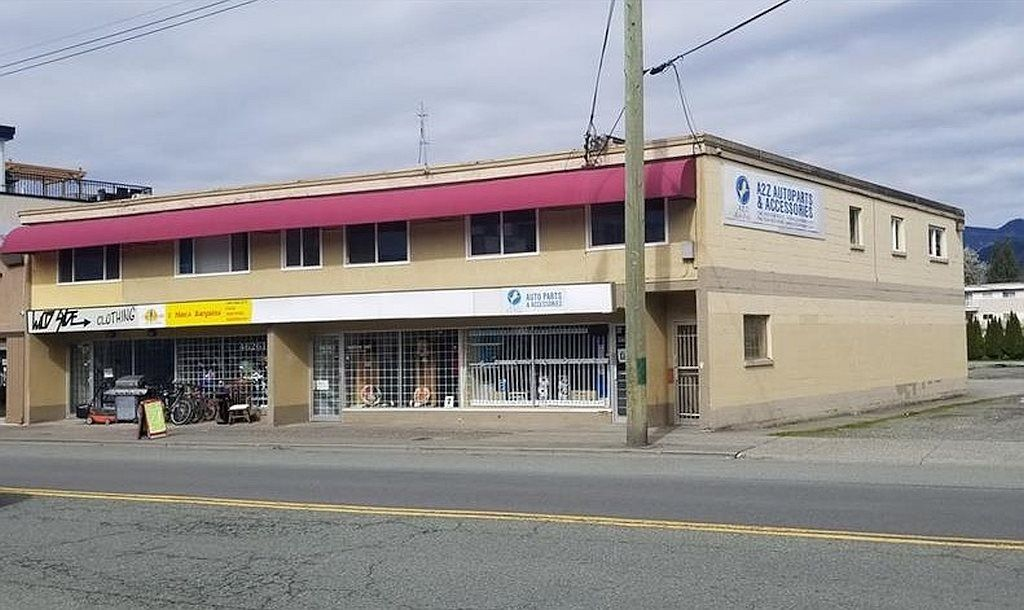 Main Photo: 46263 YALE Road in Chilliwack: Chilliwack E Young-Yale Retail for sale : MLS®# C8036030