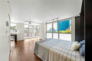 """Photo 3: 501 1238 RICHARDS Street in Vancouver: Yaletown Condo for sale in """"Metropolis"""" (Vancouver West)  : MLS®# R2584384"""