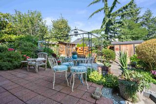 """Photo 39: 828 PARKER Street: White Rock House for sale in """"EAST BEACH"""" (South Surrey White Rock)  : MLS®# R2607727"""