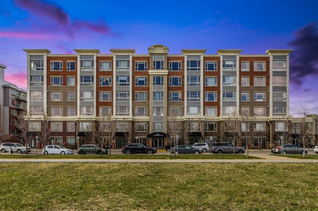 Main Photo: 214 35 INGLEWOOD Park SE in Calgary: Inglewood Apartment for sale : MLS®# A1106204
