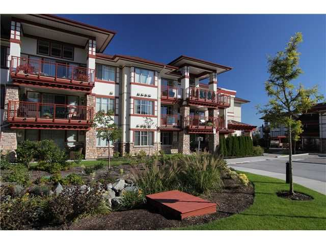 Main Photo: # 201 16455 64TH AV in Surrey: Cloverdale BC Condo for sale (Cloverdale)  : MLS®# F1447609