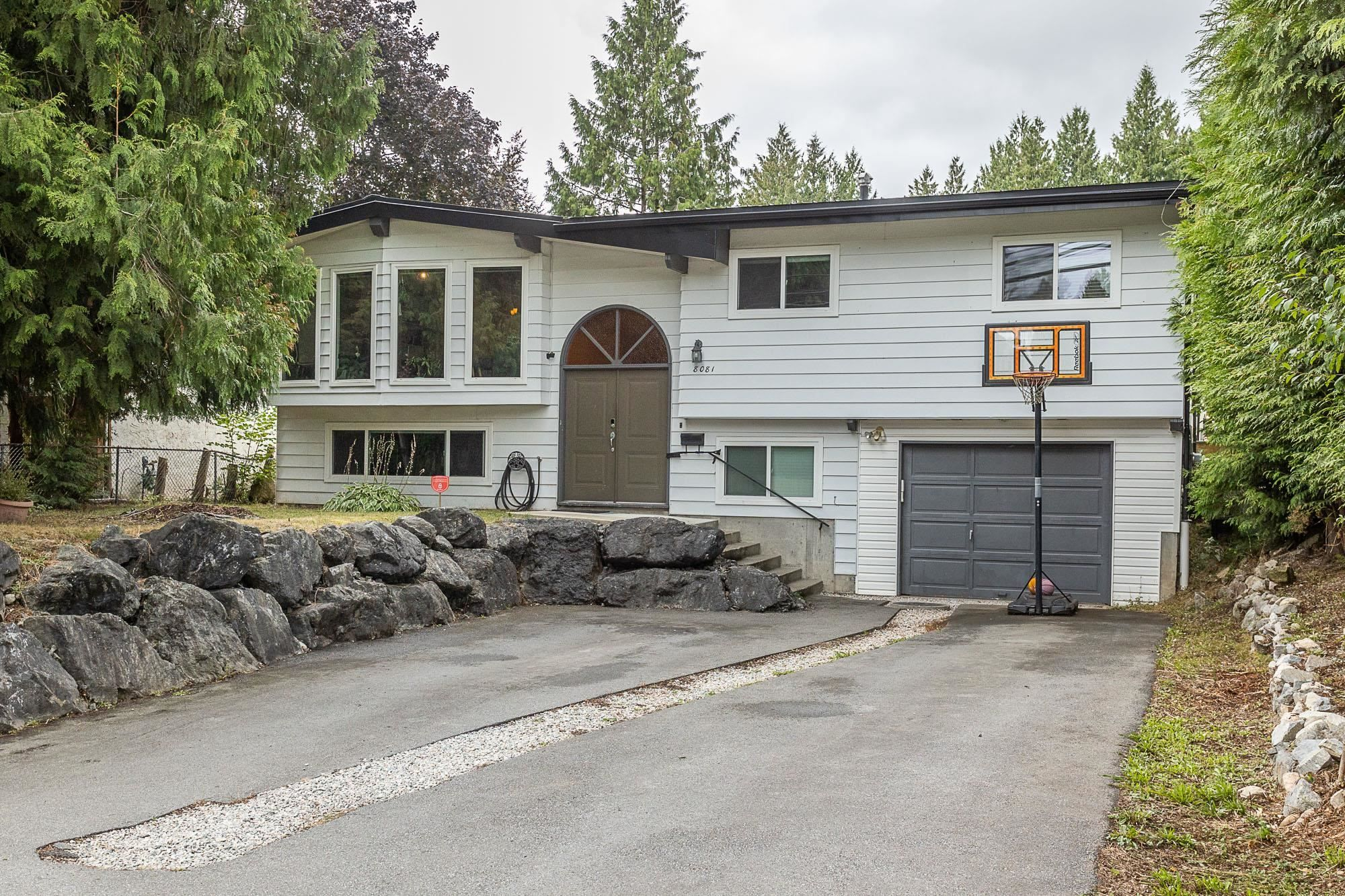Main Photo: 8081 CADE BARR Street in Mission: Mission BC House for sale : MLS®# R2615539