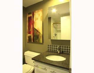 """Photo 4: 2803 867 HAMILTON Street in Vancouver: Downtown VW Condo for sale in """"JARDINE'S LOOKOUT"""" (Vancouver West)  : MLS®# V782664"""