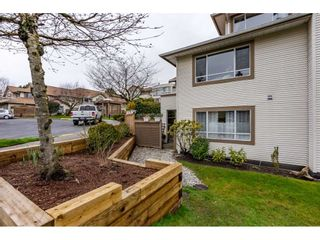 """Photo 16: 105 15991 THRIFT Avenue: White Rock Condo for sale in """"ARCADIAN"""" (South Surrey White Rock)  : MLS®# R2441323"""