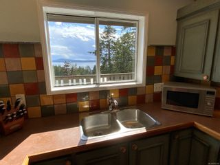 Photo 12: 3703 Signal Hill Rd in : GI Pender Island House for sale (Gulf Islands)  : MLS®# 870335