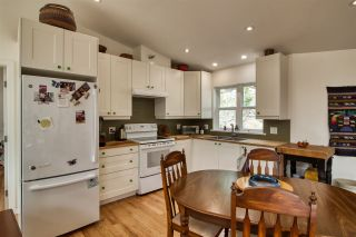 Photo 3: 1920 HANBURY Road: Roberts Creek House for sale (Sunshine Coast)  : MLS®# R2517180