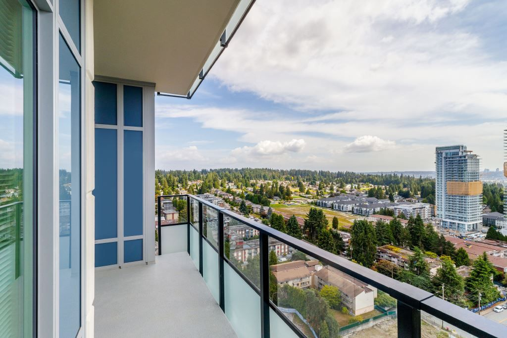 Main Photo: 2101 691 NORTH ROAD in : Coquitlam West Condo for sale : MLS®# R2453541