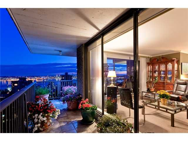 """Main Photo: 1402 140 E KEITH Road in North Vancouver: Central Lonsdale Condo for sale in """"KEITH 100"""" : MLS®# V968070"""