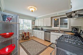 """Photo 5: 8462 BENBOW Street in Mission: Hatzic House for sale in """"Hatzic Lake"""" : MLS®# R2193888"""