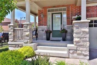 Photo 2: 61 Hanson Crescent in Milton: Scott House (2-Storey) for sale : MLS®# W3846164