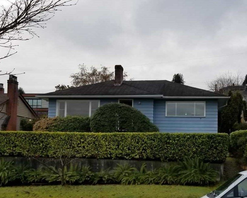 """Main Photo: 3960 EDINBURGH Street in Burnaby: Vancouver Heights House for sale in """"Capital Hill"""" (Burnaby North)  : MLS®# R2244620"""