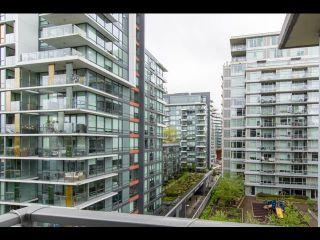 Photo 3: 804 138 W 1 Avenue in Vancouver: False Creek Condo for sale (Vancouver West)  : MLS®# R2573475
