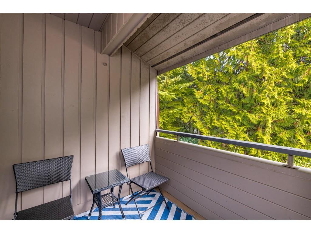 "Photo 17: Photos: 2393 MOUNTAIN Highway in North Vancouver: Lynn Valley Townhouse for sale in ""WORKWOOD PARK"" : MLS®# R2532253"