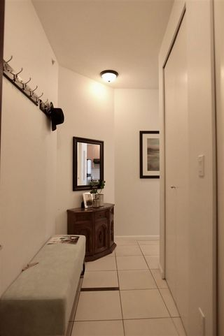 """Photo 5: 903 6823 STATION HILL Drive in Burnaby: South Slope Condo for sale in """"Belvedere"""" (Burnaby South)  : MLS®# R2385263"""