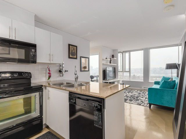 """Photo 4: Photos: 1010 550 TAYLOR Street in Vancouver: Downtown VW Condo for sale in """"TAYLOR"""" (Vancouver West)  : MLS®# V1097572"""