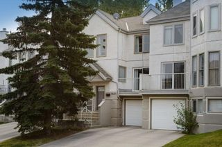 Photo 1: 1631 16 Avenue SW in Calgary: Sunalta Row/Townhouse for sale : MLS®# A1065662