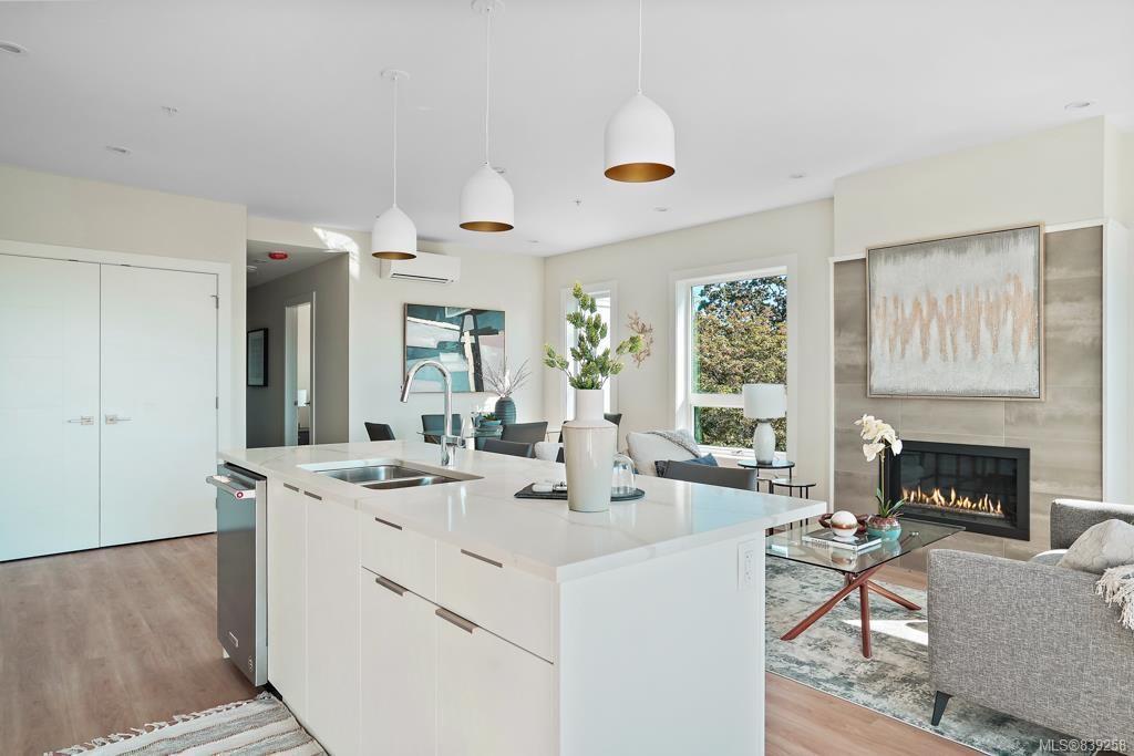 Main Photo: 3B 835 Dunsmuir Rd in Esquimalt: Es Esquimalt Condo for sale : MLS®# 839258