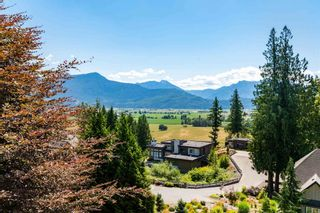 """Photo 2: 9950 STONEGATE Place in Chilliwack: Little Mountain House for sale in """"STONEGATE PLACE"""" : MLS®# R2604740"""