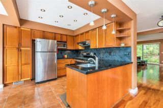 """Photo 13: 9279 GOLDHURST Terrace in Burnaby: Forest Hills BN Townhouse for sale in """"Copper Hill"""" (Burnaby North)  : MLS®# R2466536"""