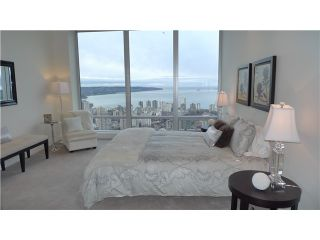 """Photo 10: 4701 1128 W GEORGIA Street in Vancouver: West End VW Condo for sale in """"SHANGRI LA PRIVATE ESTATES"""" (Vancouver West)  : MLS®# V824240"""