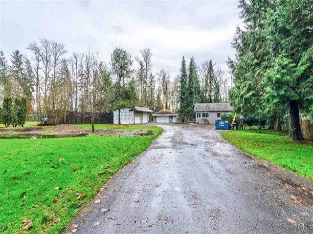 Main Photo: 20838 LOUIE Crescent in Langley: Walnut Grove House for sale : MLS®# R2391632