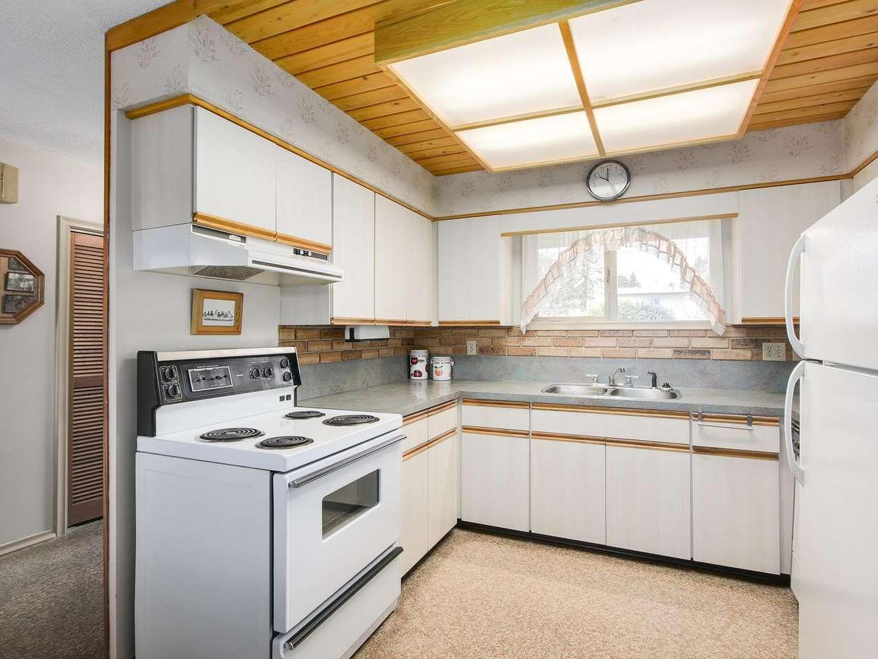 Photo 8: Photos: 1320 REGAN Avenue in Coquitlam: Central Coquitlam House for sale : MLS®# R2147096