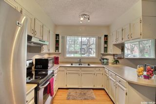 Photo 6: 50 19th Street East in Prince Albert: East Hill Residential for sale : MLS®# SK874088