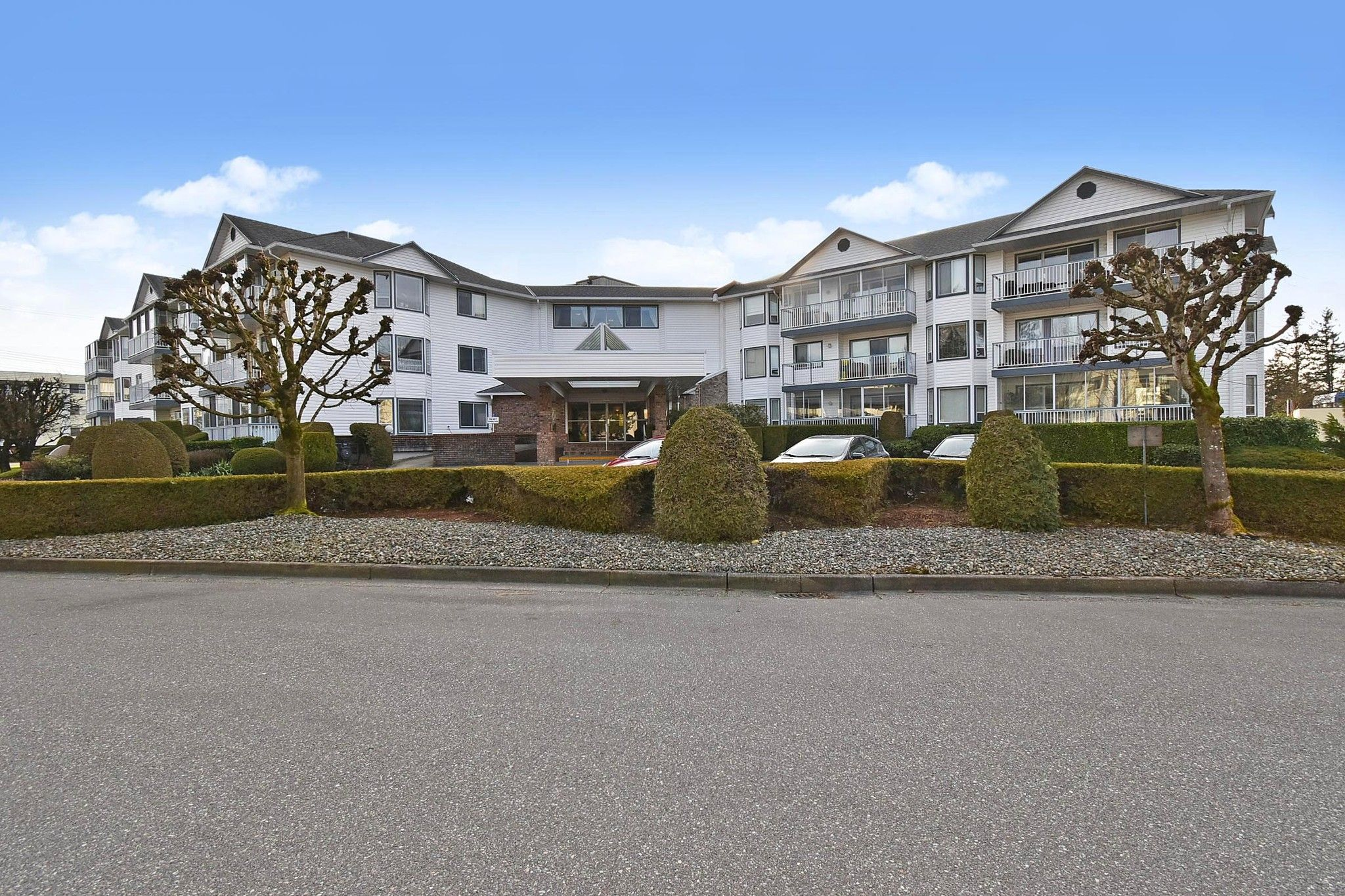 Main Photo: 306 2425 Church Street in Abbotsford: Abbotsford West Condo for sale : MLS®# R2544905