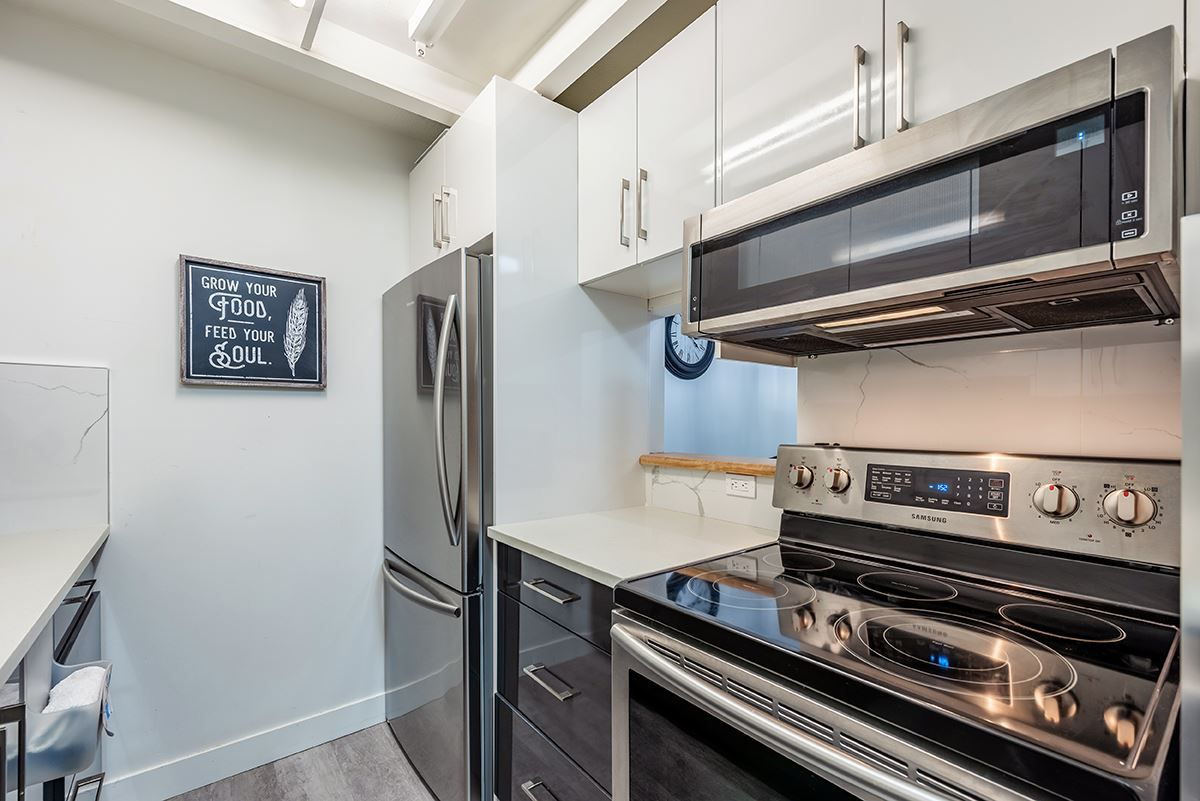 """Photo 3: Photos: 307 1155 ROSS Road in North Vancouver: Lynn Valley Condo for sale in """"THE WAVERLEY"""" : MLS®# R2533563"""