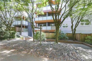 Photo 1: 106 570 E 8TH Avenue in Vancouver: Mount Pleasant VE Condo for sale (Vancouver East)  : MLS®# R2389675