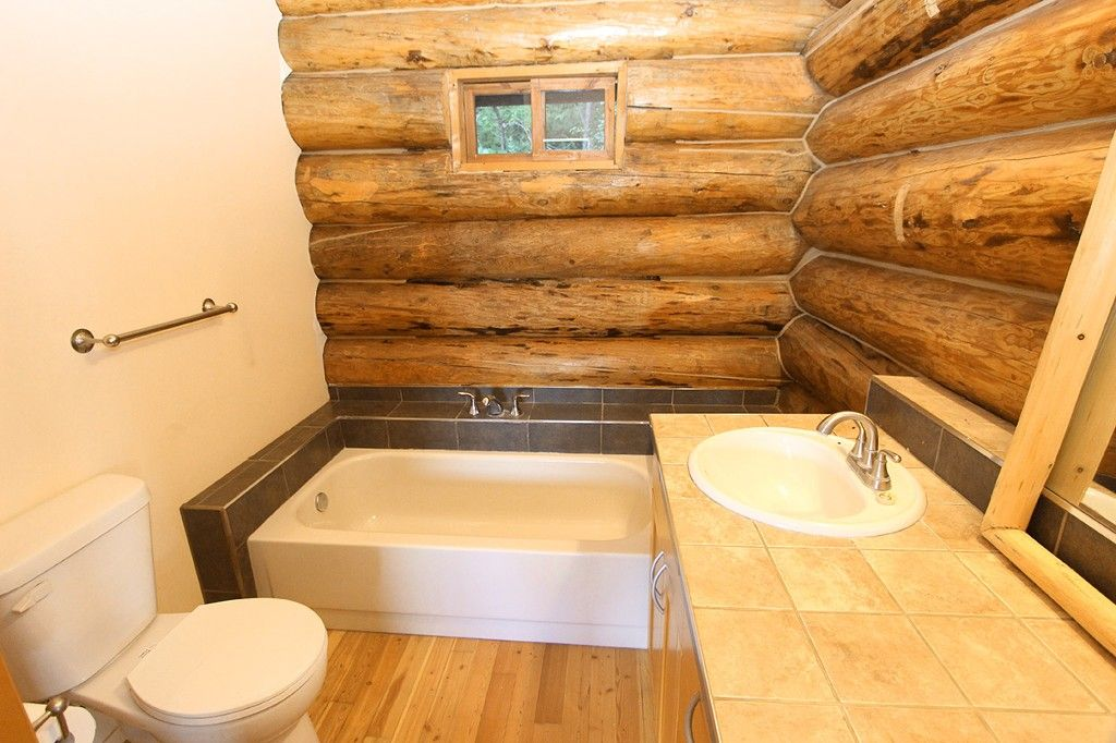 Photo 28: Photos: 8079 Squilax Anglemont Highway: St. Ives House for sale (North Shuswap)  : MLS®# 10179329
