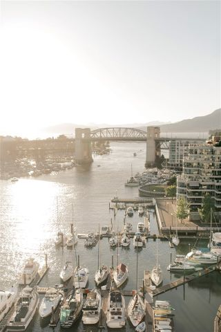 """Photo 10: 2801 889 PACIFIC Street in Vancouver: Downtown VW Condo for sale in """"THE PACIFIC BY GROSVENOR"""" (Vancouver West)  : MLS®# R2555349"""