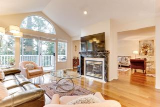 "Photo 3: 38 101 PARKSIDE Drive in Port Moody: Heritage Mountain Townhouse for sale in ""TREETOPS"" : MLS®# R2531094"