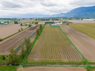 Photo 2: 5111 TOLMIE Road in Abbotsford: Sumas Prairie House for sale : MLS®# R2605990