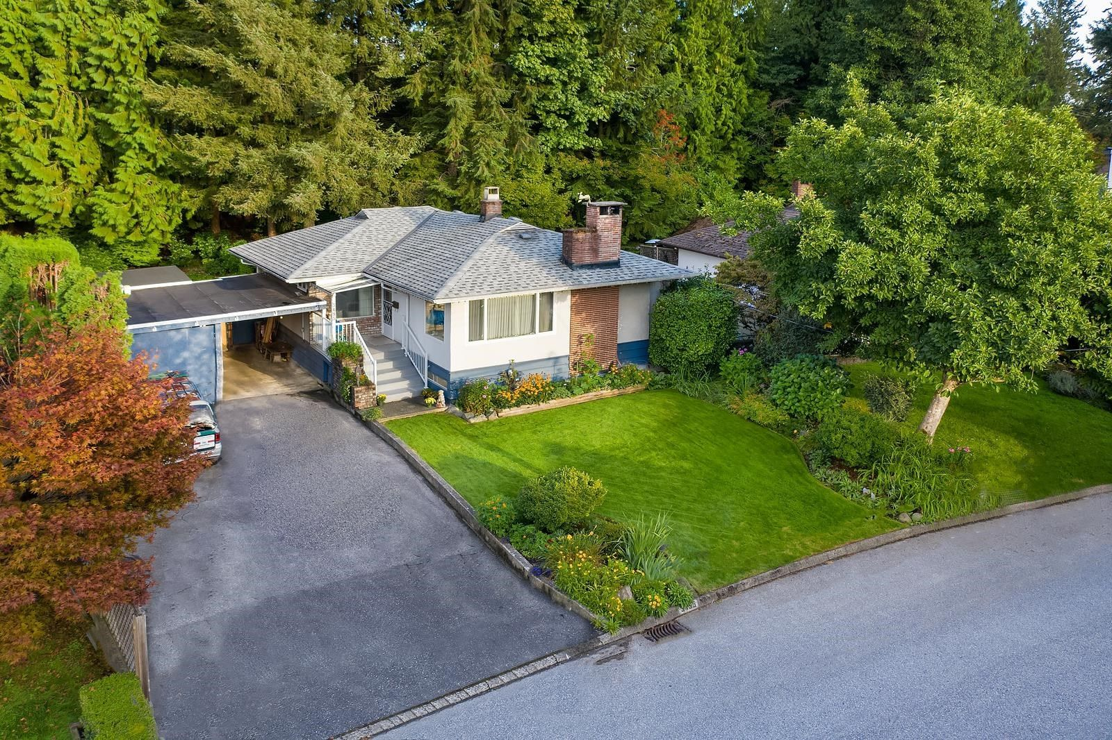 Main Photo: 3495 WELLINGTON Crescent in North Vancouver: Edgemont House for sale : MLS®# R2617949