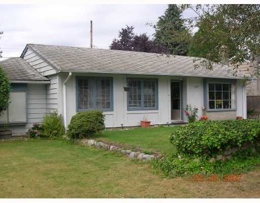 """Main Photo: 1381 WHITEWOOD Place in North_Vancouver: Norgate House for sale in """"NORGATE"""" (North Vancouver)  : MLS®# V666523"""