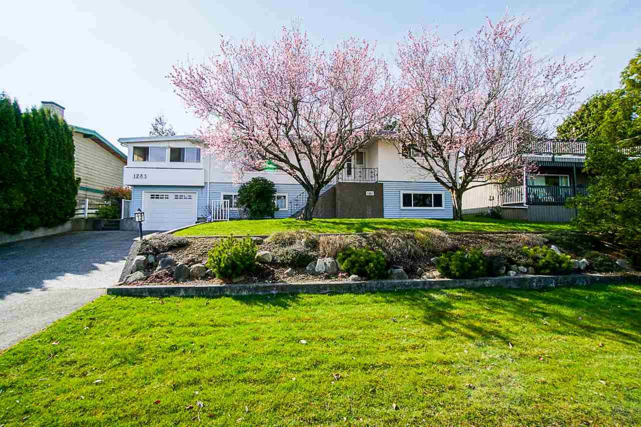 """Main Photo: 1283 PARKER Street: White Rock House for sale in """"EAST BEACH"""" (South Surrey White Rock)  : MLS®# R2562015"""
