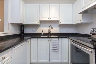 Photo 10: 104 1014 Rockland Ave in Victoria: Vi Rockland Condo for sale : MLS®# 869806